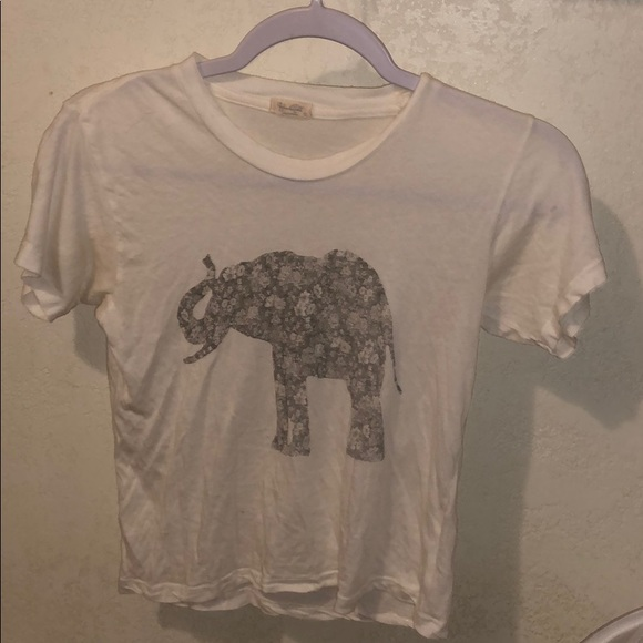 Brandy Melville Tops - BRANDY MELVILLE BARELY WORN GRAPHIC TEE